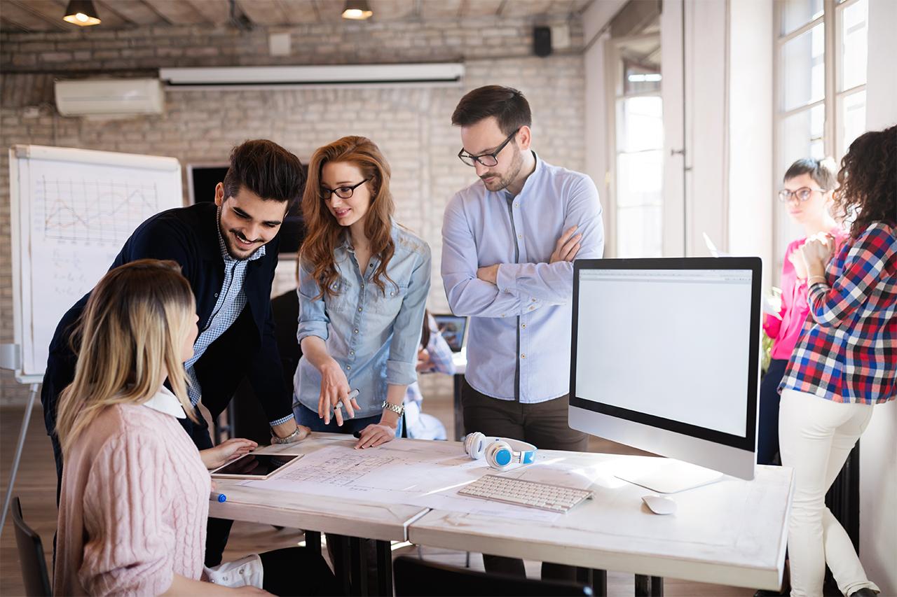 Capa de 4 benefícios do Coworking para empresas